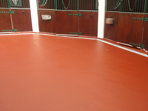 POLAPLAST P24-Polyurathane pore filler for equine flooring
